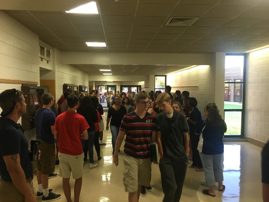 Freshmen heading to the auditorium.
